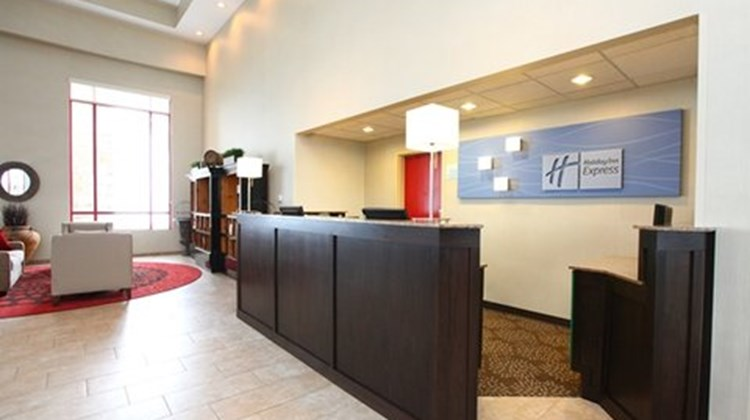Holiday Inn Express & Stes Olathe North Lobby