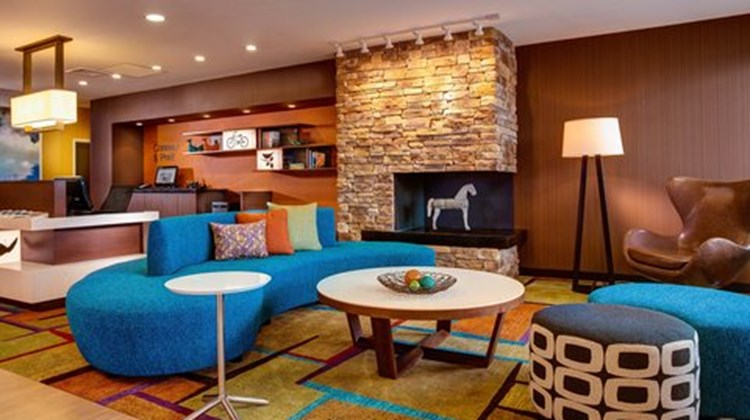 Fairfield Inn & Suites Hutchinson Lobby