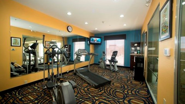 Holiday Inn Express & Suites Morrilton Health Club