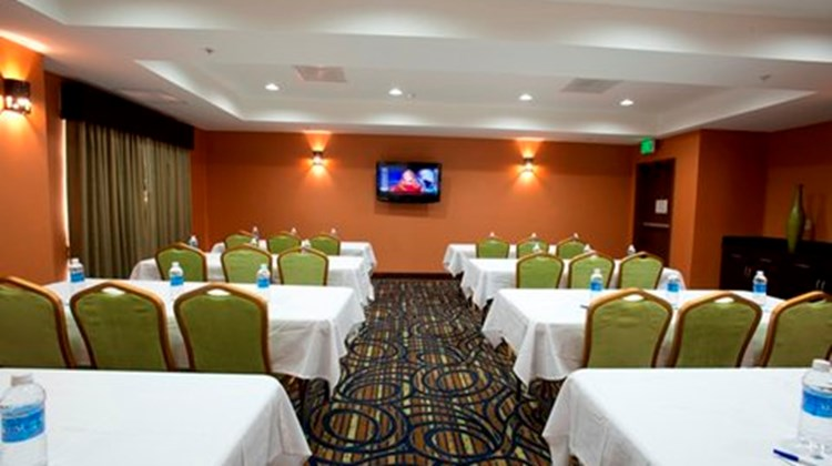 Holiday Inn Express & Suites Morrilton Meeting
