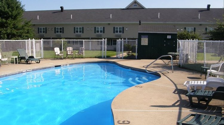 Fireside Inn & Suites Pool