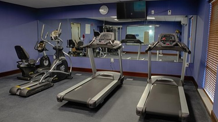 Holiday Inn Express & Suites Sidney Health Club