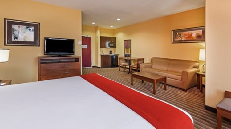Holiday Inn Express Cleveland Room