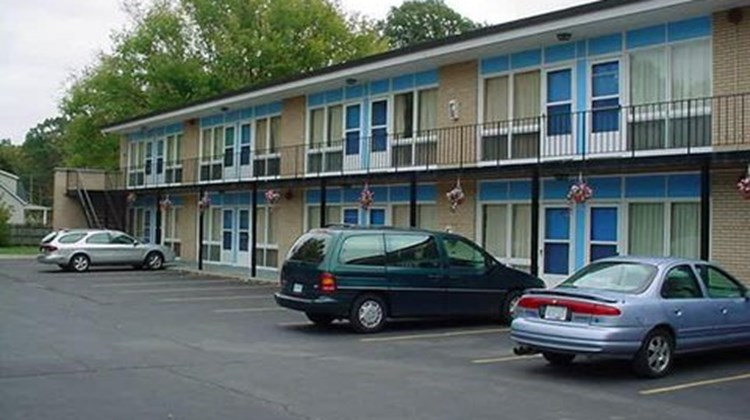 Chipican Motel Exterior