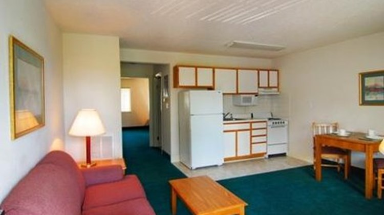 Affordable Suites Charlottesville Room