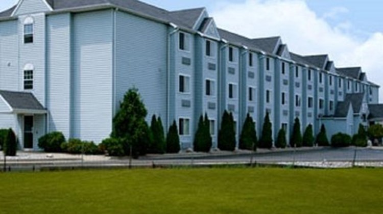 Mount Pleasant Inn and Suites Exterior