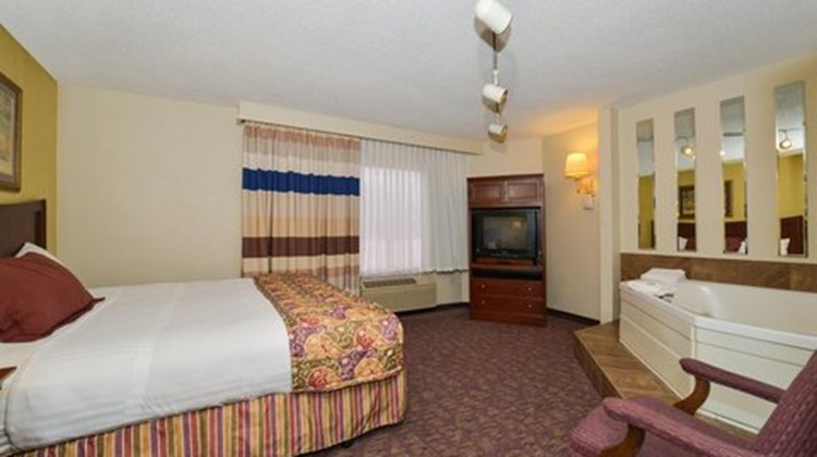 Lamplighter Inn South Room