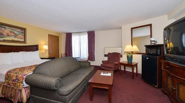Lamplighter Inn South Suite