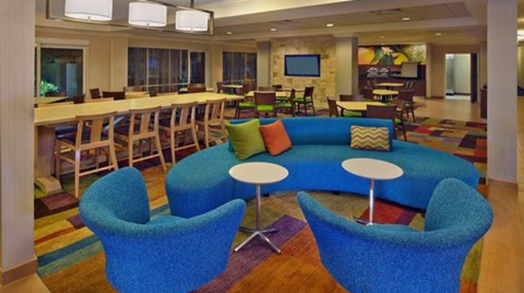 Fairfield Inn & Suites by Marriott Lobby