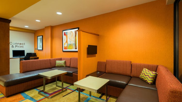 Fairfield Inn & Suites Downtown Lobby