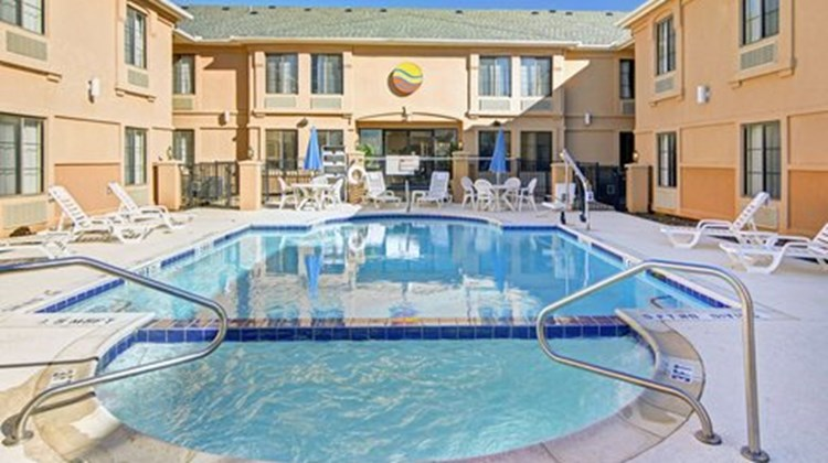 Comfort Inn DFW Airport South Pool