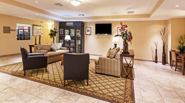 Candlewood Suites Pearland Lobby