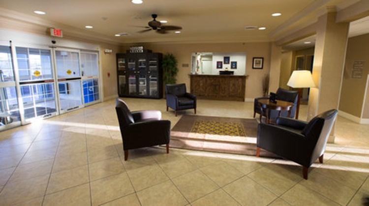 Candlewood Suites Springfield South Lobby