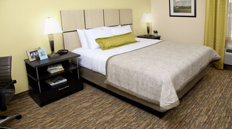 Candlewood Suites Dallas Park Central Room