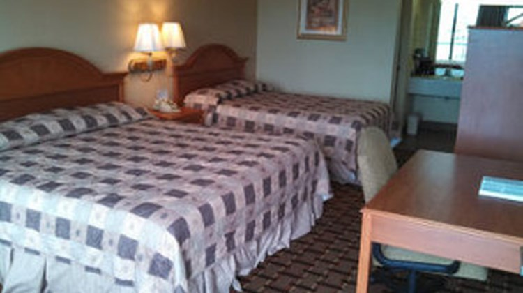 Days Inn Pigeon Forge Room