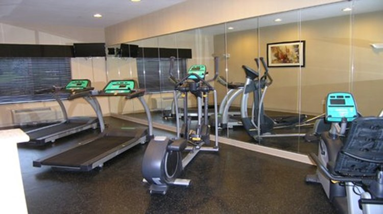 Holiday Inn Express & Suites Belle Vern Health Club