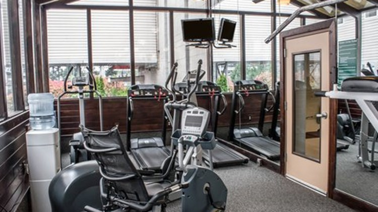 Clarion Hotel Seattle Airport Health Club