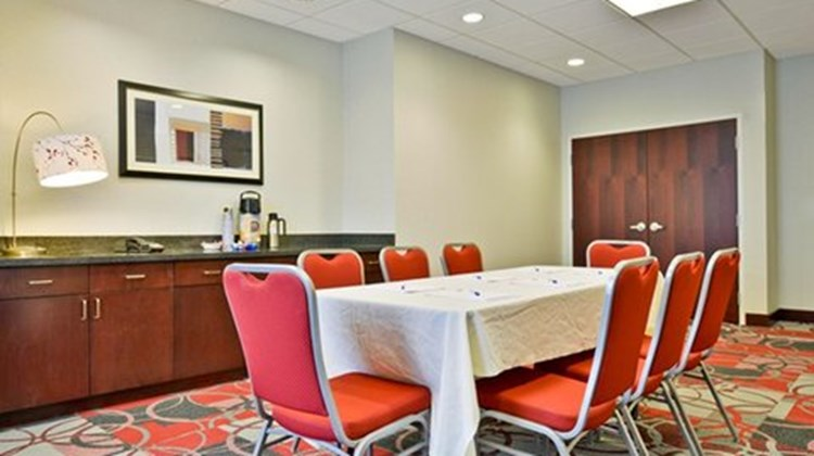 Holiday Inn Express and Suites Utica Meeting