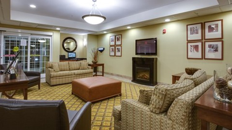 Candlewood Suites Richmond Airport Lobby