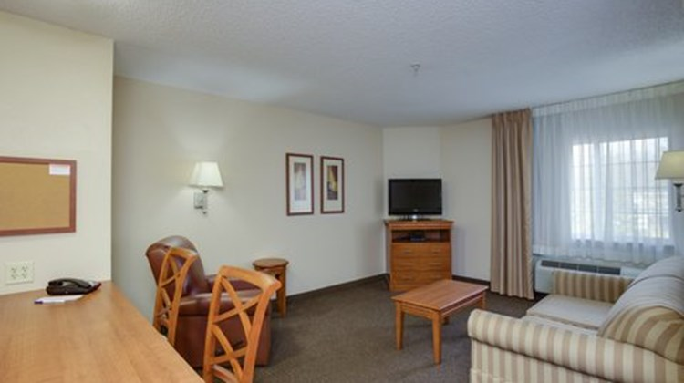 Candlewood Suites Richmond Airport Suite
