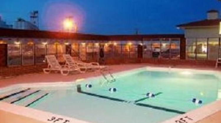 Budget Host La Fonda Motel Pool