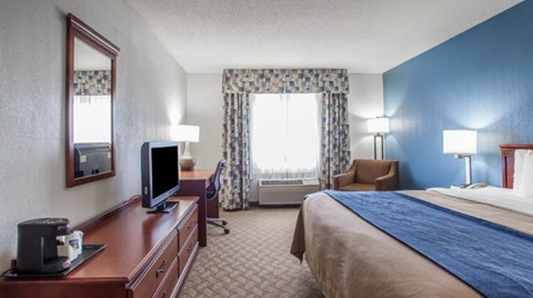 Comfort Inn & Suites Lees Summit Room
