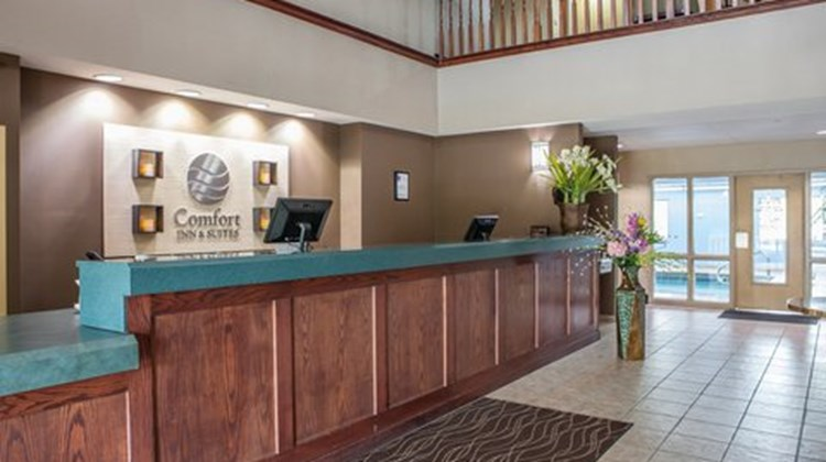 Comfort Inn & Suites Lees Summit Lobby