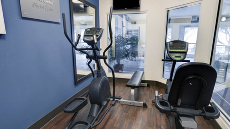 Comfort Suites Health Club