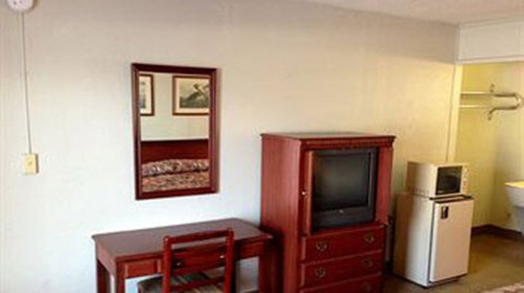 Country Hearth Inns and Suites Room