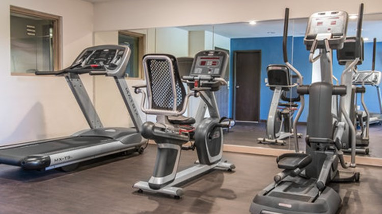 Quality Inn & Suites Health Club