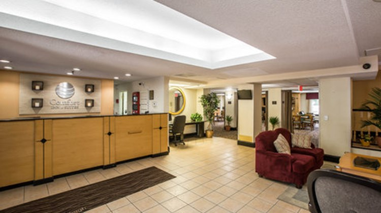 Comfort Inn & Suites Crabtree Valley Lobby