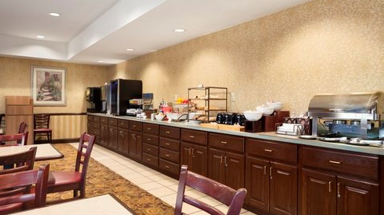 Country Inn & Suites Big Rapids Restaurant