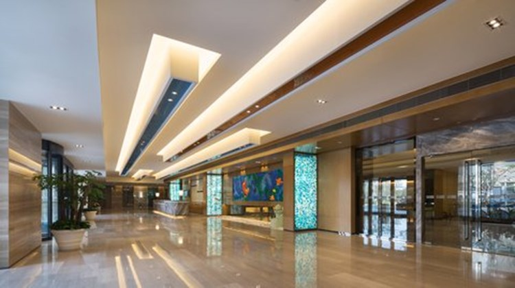 Holiday Inn Express Shanghai New Jinqiao Lobby