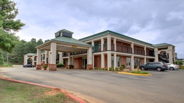Red Roof Inn & Suites Scottsboro Exterior