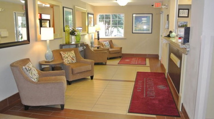 Candlewood Suites Fairfax Lobby