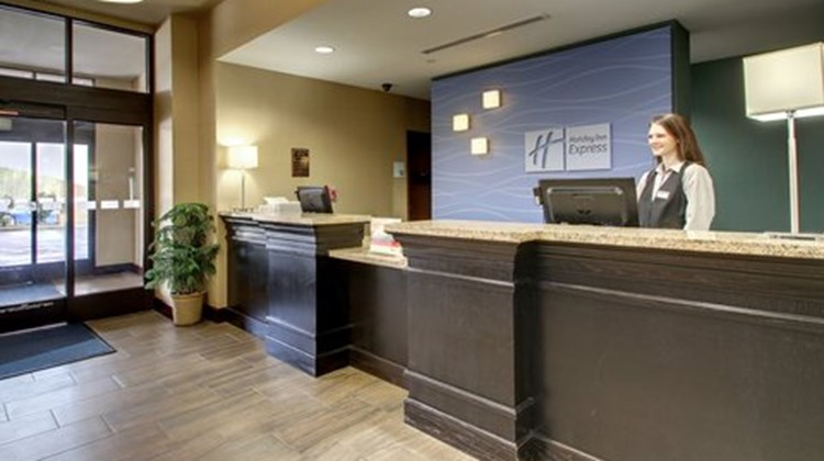 Holiday Inn Express Natchez South Lobby