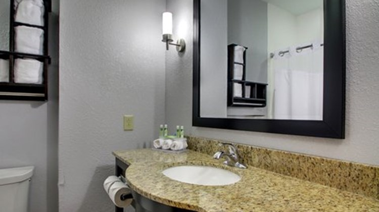 Holiday Inn Express Natchez South Room