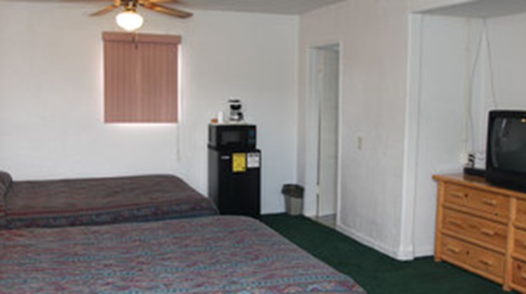 Marianna Inn Motel Room