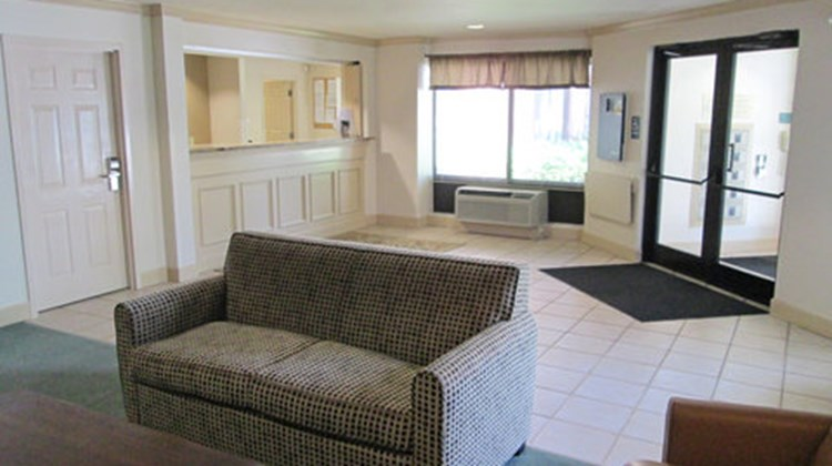 Extended Stay America - Dallas Lobby