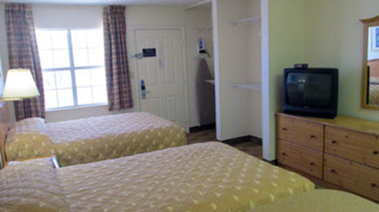 Crosslands Dallas North Addison Tollway Room