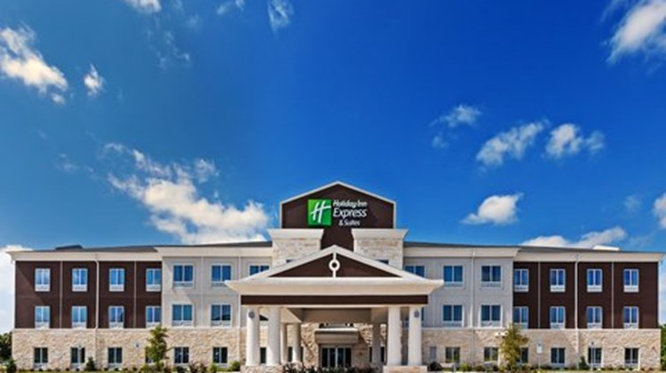 Holiday Inn Express & Suites Killeen Exterior
