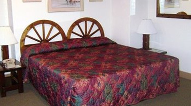 El Rancho Hotel & Motel Room