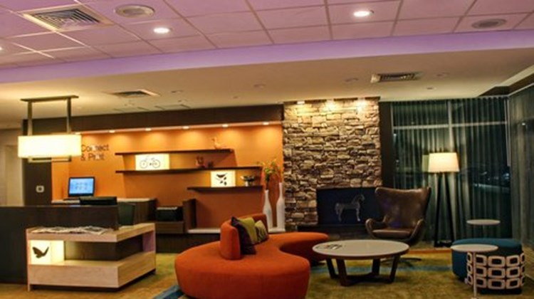 Fairfield Inn/Suites Reading Wyomissing Lobby