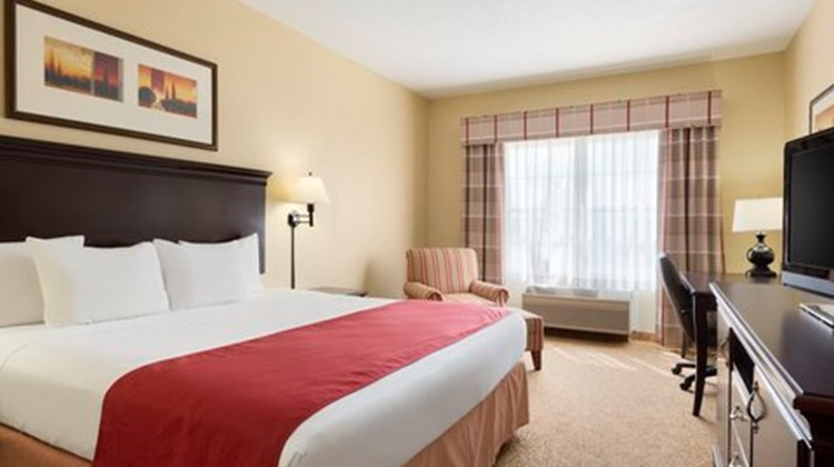 Country Inn & Suites Moline, IL Room