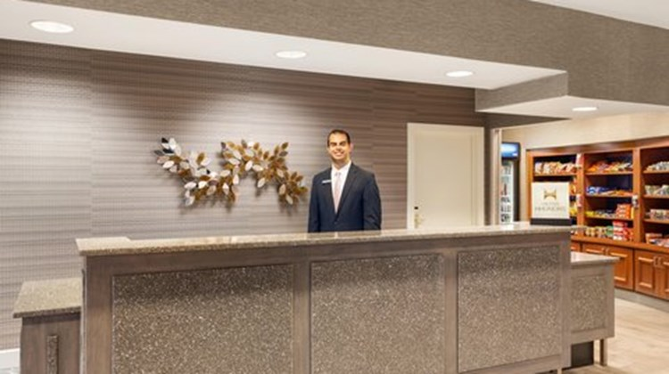 Hampton Inn & Suites Denver/Cherry Creek Lobby