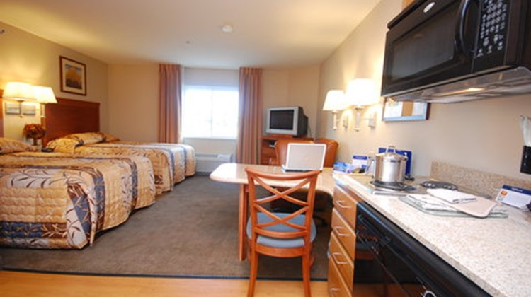Candlewood Suites West Springfield Room