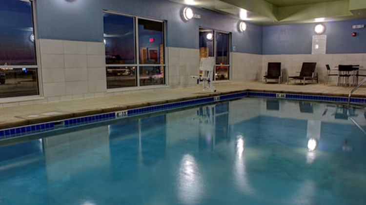 Holiday Inn Express & Suites Spencer Pool