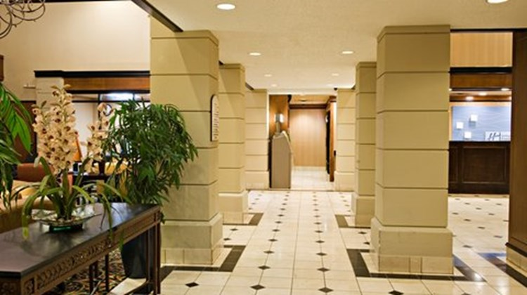 Holiday Inn Express Hotel & Suites DFW N Lobby