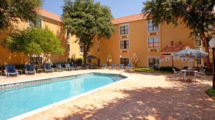 Holiday Inn Express Hotel & Suites DFW N Pool