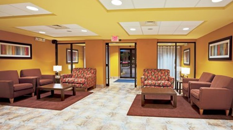 Holiday Inn Express & Suites FLL Arpt W Lobby